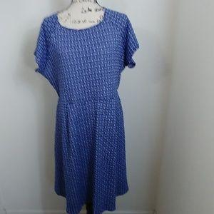 Renee C blue and white short sleeve dress